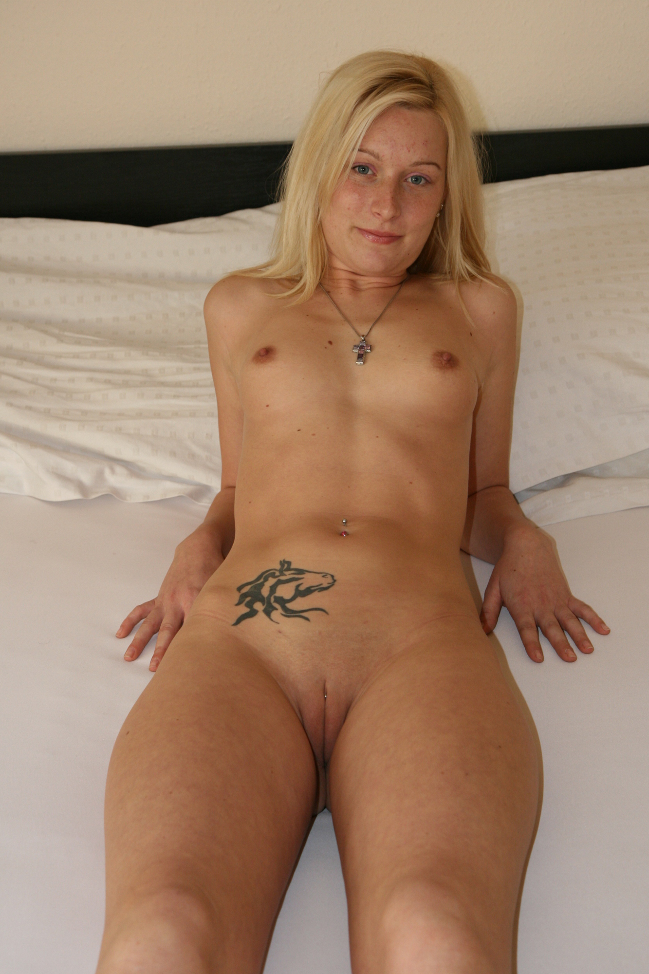 german nude girls blonde Amateur